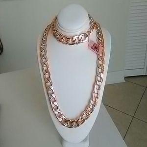 Rose gold necklace and bracelet set
